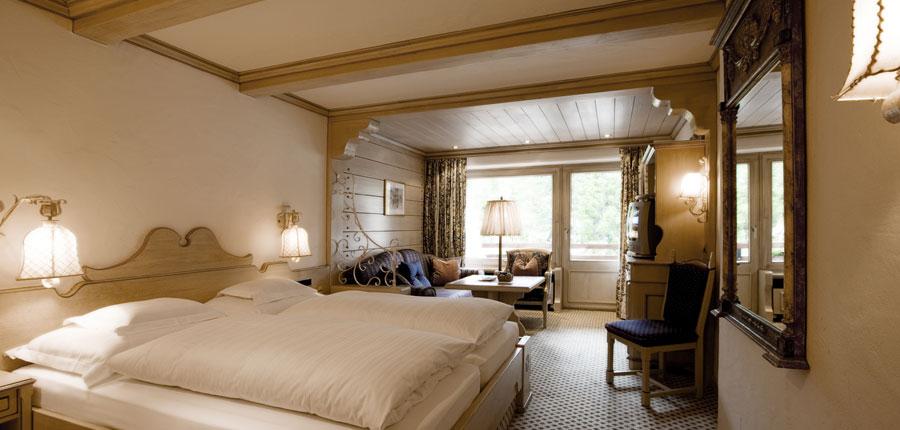 Hotel Berghof, Lech, Austria - Omeshorn room.jpg